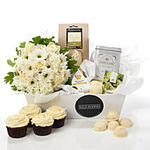 Fresh N Classy Hamper: Romantic Gifts to New Zealand