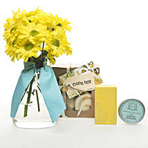Golden Delight Hamper: Mother's Day Gifts to New Zealand