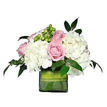 Opulent Floral Greetings: Flower Delivery in Muscat
