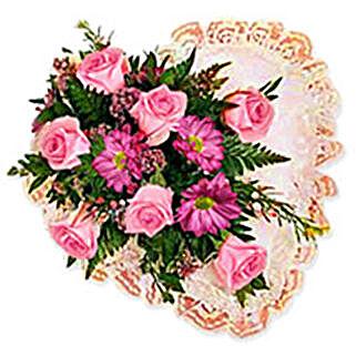 Flower Heart qat: Valentine Gifts to Qatar