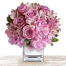 Pink Floral Expressions: Birthday Flower Delivery in Qatar