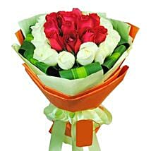 12 White and Red Rose Bouquet: Friendship Day Flowers in Singapore