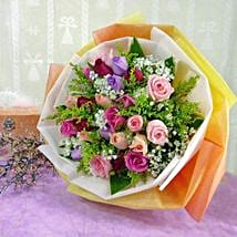 30 Mixed Roses: Christmas Flowers Singapore