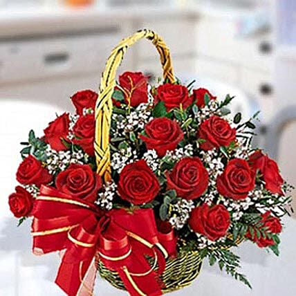 Red Roses Arrangement 30 Stems