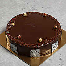 500gm Hazelnut Chocolate Cake: Send Cakes to Abu Dhabi