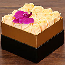 Beautiful Peach Rose Box: Birthday Gift Delivery in UAE