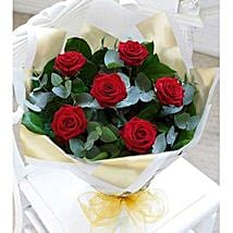 Beauty of Love: Send Flowers for Him to UAE