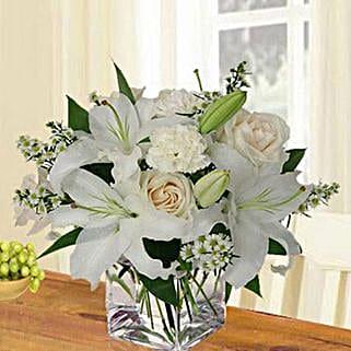 Birthday Bloom: Same Day Condolence Flowers in UAE