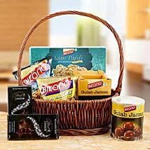 Charming Hamper of Love: Send Gift Hampers to Dubai