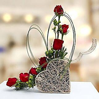 Emerald Beauty: Send Anniversary Flowers to UAE