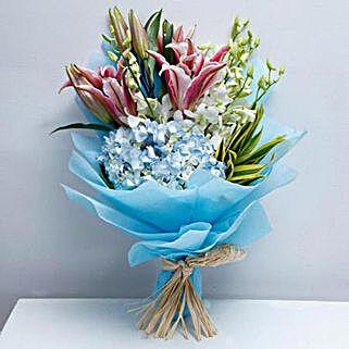 Exclusive Masterpiece: Same Day Anniversary Flower Bouquets in UAE