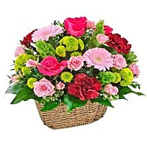 Flowers Valley: Send Roses to UAE