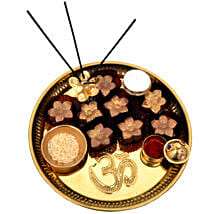 Golden Brown Raksha Bandhan Tray: Rakhi and Chocolates to Dubai