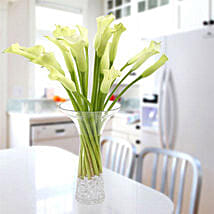 Gracious Lily: Friendship Day Flowers UAE