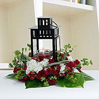 Ravishing Center Table Flower Arrangement: Christmas Gift Delivery in UAE