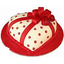 Special Hearshape Cake: Valentine's Day Cake Delivery in Dubai