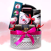 Special Mothers Day Hamper: Send Mother's Day Gifts to UAE