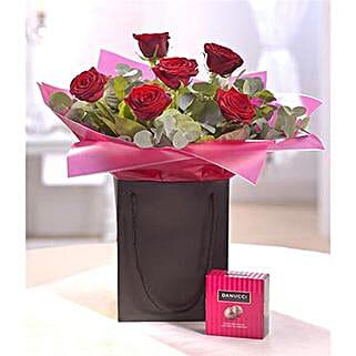Be Mine Chocolate Gift Set: Flowers London