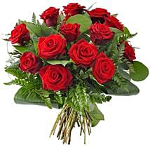 12 Red Roses: Send Birthday Gifts to Indianapolis