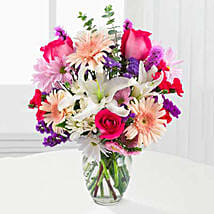 Peaches N Cream Bouquet: Mothers Day Flowers in USA