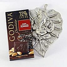 Sweet Divine Combo: Anniversary Chocolates in USA