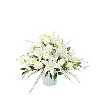 White Fancy USA: Sympathy Flowers to USA
